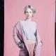blond-hellblau-rosa-studio-hintergrund-background-fashion-wella-wellahair-haare-hair-frisur-kopfkunst-damen